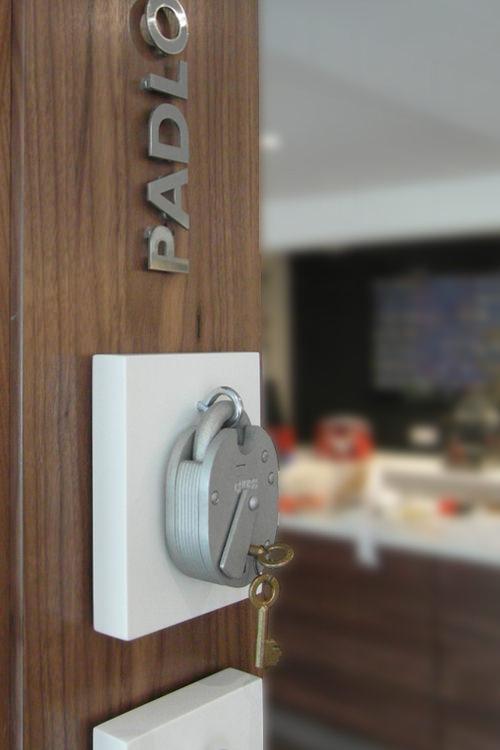 Banham padlock display & Security showroom design   Design CLD