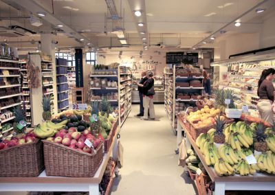 Photo: Internal view of the organic supermarket