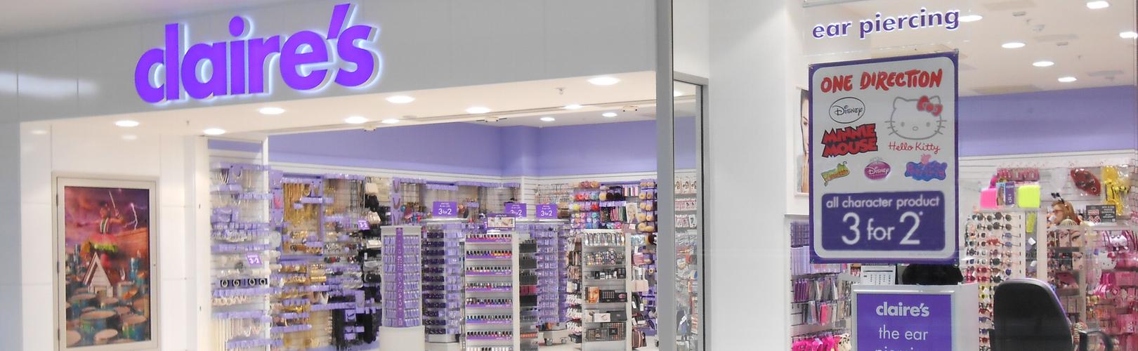 Photo: Claire's accessories shopfront design
